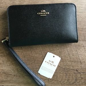 ✨💖Coach Leather Phone Wallet Wristlet💖✨